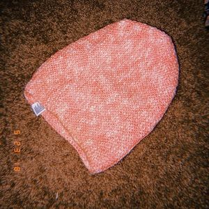 pink american eagle knitted beanie